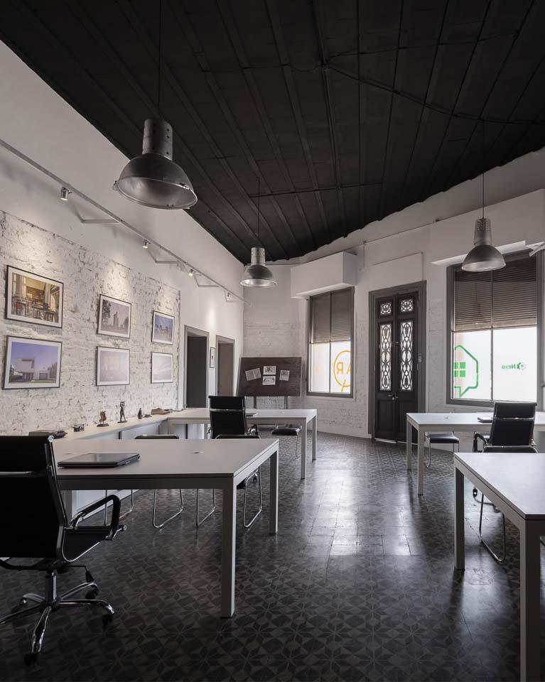 Oficina Nexo Inmobiliaria y Pecorari Arquitectos y Asociados